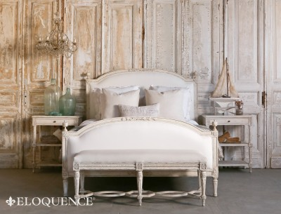 Eloquence® Dauphine Queen Bed in Weathered White